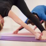 Yogalærer uddannelse bredstående foroverbøjning